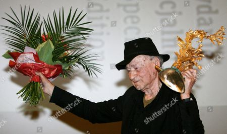 Lithuanian Film Director Jonas Mekas an Icon of American Avant-garde Cinema Receives the Dragon of Dragons Award For Artistic Life Achievement During the 50th Krakow Film Festival in Krakow Poland 01 June 2010 the Festival Runs From 31 May to 06 June 2010 Poland Krakow