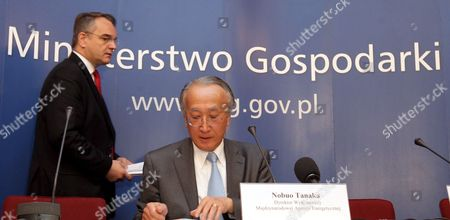 Polish Deputy Pm Waldemar Pawlak (l) and Director of the International Energy Agency Nobuo Tanaka (r) During a Joint Briefing in Warsaw Poland on 12 May 2009 Poland Warsaw