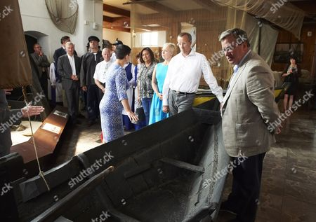 President of Estonia Toomas Hendrik Ilves (2-r) and His Wife First Lady Evelin Ilves (3-r) Along with President of Poland Bronislaw Komorowski (r) and His Wife First Lady Anna Komorowska (4-r) Visit the Fisheries Museum in Hel Poland 22 August 2012 President of Estonia with His Family is in an Unofficial Visit to Poland at the Invitation of Polish Presidential Couple Poland Hel
