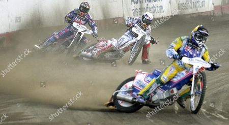 (front to Back) Jason Crump of Australia Jaroslaw Humpel From Poland and Scott Nicholls of Great Britain During One of the Heats in the Semi-finals Team Fim Speedway World Cup in Rybnik Poland Sunday 16 July 2006 Poland Rybnik