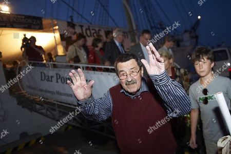Nobel Prize-winning German Author Gunter Grass (c) Leaves the Polish Sailing Frigate the Dar Pomorza in Gdynia Poland 29 June 2012 After Premiere of the Spectacle 'Crabwalk' by Gunter Grass and Directed by Polands Pawel Huelle Poland Gdynia