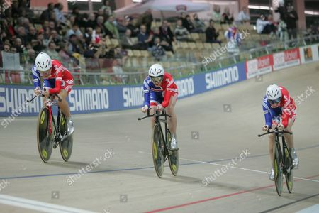 Elizabeth Armistead Wendy Houvenaghel and Joanna Roswell of Great Britain Are on Their Way to Win the Gold Medal in the Women's Team Pursuit Final at the Uci Track Cycling World Championships 2009 at Bgz Arena Velodrome in Pruszkow Poland 26 March 2009 Poland Pruszkow