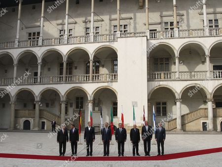 (l-r) President of Germany Joachim Gauck Bulgarian President Rosen Asenov Plevneliev Estonian President Toomas Hendrik Ilves President of Portugal Anibal Cavaco Silva President of Poland Bronislaw Komorowski Italian President Giorgio Napolitano President of Latvia Andris Berzins and President of Finland Sauli Vainamo Niinisto Pose For a Photo During a Welcome Ceremony of the Arraiolos Group Meeting at the Wawel Royal Castle in Cracow Poland 08 October 2013 on a First Day of the Arraiolos Group Meeting the Presidents Will Discuss Ways to Overcome the European Crisis and Transatlantic Relations Poland Cracow