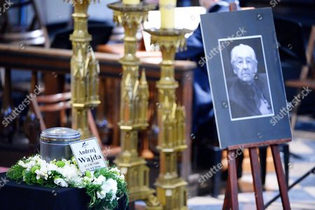 The Urn with Ashes and His Portrait of Late Polish Director Andrzej Wajda is on Display in the Dominican Fathers Church in Krakow Poland 19 October 2016 Andrzej Wajda Lifetime Achievement Academy Award Winner Died on 09 October at the Age of 90 the Director Will Be Buried at the Salwator Cemetery Next to His Family Grave Poland Krakow