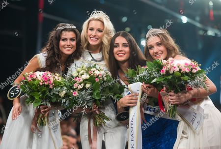 Miss Fashion 2014 and Miss Supranational Usa 2014 Allyn Rose (2-l) Second Placed Miss Supranational Belarus Kristina Martsinkevich (r) Third Placed Miss Supranational Poland 2014 Kasia Krzeszowska (l) and Voted As Miss Fashion Photogenic Miss Supranational Slovenia 2014 Tjasa Zver (2-r) Pose For Pictures at the End of Miss Fashion World 2014 Ceremony in Lodz Poland 29 November 2014 the Competition was Attended by 83 Contestants From Around the World Poland Lodz