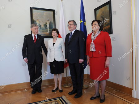 President Bronislaw Komorowski (2-r) and His Wife Anna (r) Meet Germany's Former President Horst Kohler (l) and His Wife Eva Luise Koehler (2-l) in Warsaw Poland 10 May 2011 German Former First Couple is on a Private Visit to Poland Poland Warsaw