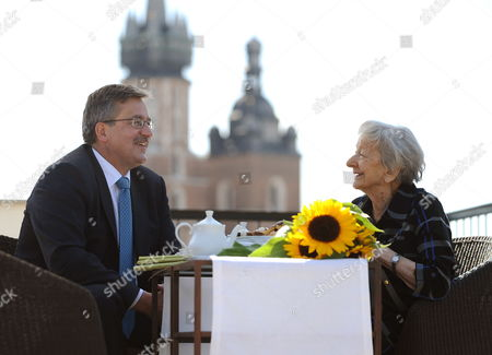 Poland's Acting President Parliament Speaker and Presidential Candidate Bronislaw Komorowski (l) Meets Polish Poet and Noble Prize Winner Wislawa Szymborska (r) in Krakow Poland 17 June 2010 Komorowski who is Leading in the Polls with an Estimated 41 Per Cent of the Vote Pledged to Withdraw Polish Troops if He Won in the Elections on June 20 Poland Krakow