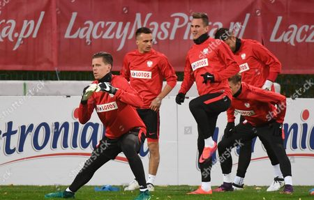 (l-r) Polish National Soccer Team Players Wojciech Szczesny Slawomir Peszko and Arkadiusz Milik is Seen During the Training Session in Warsaw Poland 04 October 2016 Poland Will Face Denmark in the Fifa World Cup 2018 Qualifying Soccer Match on 08 September in Warsaw Poland Warsaw