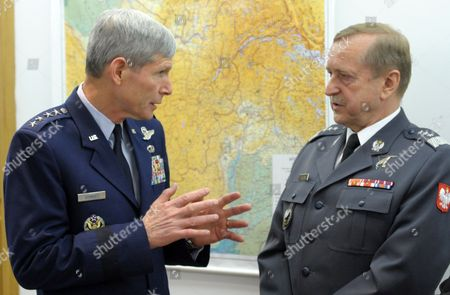 Us Air Force Chief of Staff General Norton Allan Schwartz (l) and His Polish Counterpart General Lech Majewski (r) Talk During the Signing of the 'Memorandum of Understanding Between the Department of Defense of the United States of America As Represented by the Us Air Force and the Minister of National Defence of the Republic of Poland Regarding the Exchange of Military Personnel' in Warsaw Poland 30 May 2012 the Memorandum was Signed in the Presence of the Polish Minister of Defence Tomasz Siemoniak Pap/andrzej Hrechorowicz Poland out Poland Warsaw