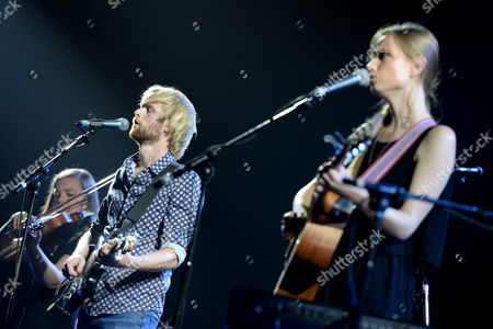 Band Gypsyfingers - Songwriter Victoria Coghlan (r) and Songwriter/producer Luke Oldfield (c) (son of Tubular Bells' Mike Oldfield) Performs in Warsaw Poland 03 October 2014 Poland Warsaw