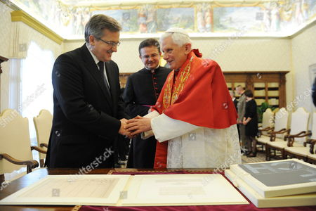 Pope Benedict Xvi (r) Receives Polish President Bronislaw Komorowski (l) For a Meeting at the Vatican 16 October 2010 on 16 October 1978 Polish Cardinal Karol Jozef Wojtyla Started His Reign As Pope John Paul Ii Vatican City State (holy See) Vatican City