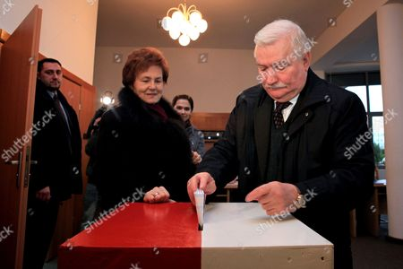 Former Polish President Lech Walesa (r) and His Wife Danuta Cast Their Votes During the Local Elections at a Polling Station in Gdansk Poland 21 November 2010 Polling Stations in Poland Opened Early November 21 For Municipal Elections in Which Poles Were to Elect Over 48 000 Regional Leaders Around the Country the Municipal Elections Are Regarded As a Barometer of the Political Mood Ahead of Parliamentary Elections in 2011 Poland Gdansk
