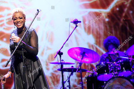 Us Composer and Drummer Terri Lyne Carrington (r) Performs During Her Concert 'The Mosaic Project' with Us Jazz Singer Carmen Lundy (l) Israeli Bassist Tamir Shmerling (unseen) and Us Jazz Pianist Helen Sung (unseen) in Warsaw Poland 08 November 2012 Poland Warsaw
