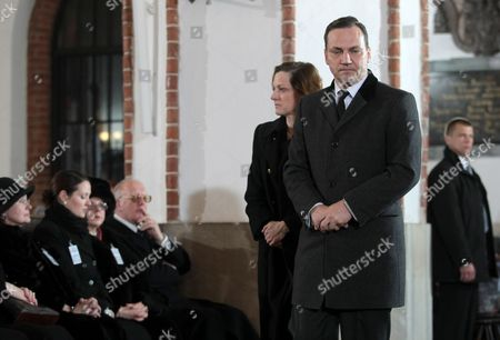 Polish Foreign Affairs Minister Radoslaw Sikorski (r) and His Wife Anne Applebaum (c) Seen During the Mass Commemorating the 1st Anniversary of the Presidential Plane Crash in St John's Cathedral in Warsaw Poland 10 April 2011 Polish President Lech Kaczynski His Wife Maria Kaczynska and 94 Other Poles Died 10 April 2010 when Polish Presidential Plane Crashed While Trying to Land in Smolensk Russia Poland Warsaw