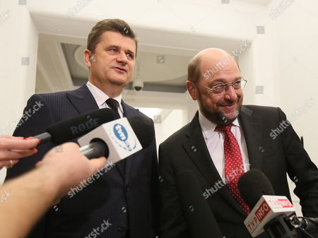 European Parliament President Martin Schulz (r) and Your Movement (twoj Ruch) Leader Janusz Palikot (l) Speak with Journalists After a Meeting of General Secretaries of Left-wing Formations Members of the Party of European Socialists in Sejm in Warsaw Poland 08 November 2013 Poland Warsaw