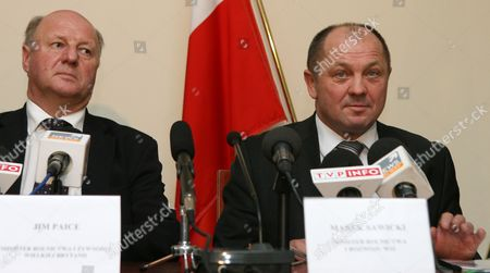 Polish Agriculture Minister Marek Sawicki (r) Holds a Press Conference After Talks with His British Counterpart Jim Paice (l) in Warsaw Poland 22 November 2010 Poland Warsaw