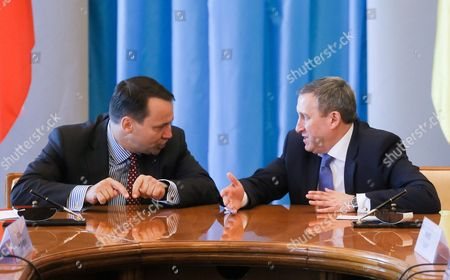 Polish Foreign Minister Radoslaw Sikorski (l) with Ukrainian Foreign Minister Andrii Deshchytsia (r) Speak During the Annual Polish-ukrainian Foreign Ministry Consultations in Kiev Ukraine 16 May 2016 the Ministers Were Signing an Agreement on Cooperation Between Their Ministries For the Years 2014-2015 Which Includes Political Consultations of Representatives of the Weimar Triangle and the Visegrad Group Countries with the Ukrainian Authorities As Well As Regular Meetings of Polish and Ukrainian Foreign Ministers and Organizing Training Seminars For Ukrainian Diplomats Ukraine Kiev