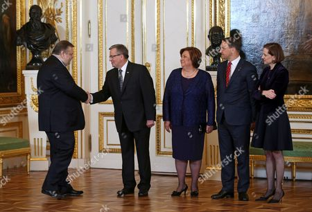 Stock Picture of Polish Foreign Minister Radoslaw Sikorski (2-r) and His Wife Us Journalist and Pulitzer Prize-winning Author Anne Applebaum (r) with President of Poland Bronislaw Komorowski (2-l) and His Wife Anna Komorowska (3-l) Welcome Foreign Minister of Greece Evangelos Venizelos (l) Before the Solidarity Award Gala at the Royal Castle in Warsaw Poland 03 June 2014 the Inaugural Award of Poland's Foreign Ministry Will Be Presented For Crimean Tatar Leader Mustafa Jemilev As Part of the Celebrations of the 25th Anniversary of the First Partly Free Elections in Poland After World War Ii Which Brought to End Decades of Communist Rule in Poland Poland Warsaw