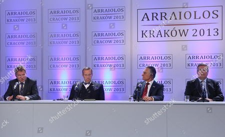 (l-r) President of Finland Sauli Vainamo Niinisto Estonian President Toomas Hendrik Ilves President of Portugal Anibal Cavaco Silva and President of Poland Bronislaw Komorowski During a Press Conference After the Arraiolos Group Meeting at the Wawel Royal Castle in Cracow Poland 09 October 2013 the Meeting Nato and Its Role As a Binding Factor Between Europe and the Us and the November Eastern Partnership Summit in Vilnius Including the Planned Signature of an Eu Association Agreement by Ukraine Pap/stanislaw Rozpedzik Poland out Poland Cracow