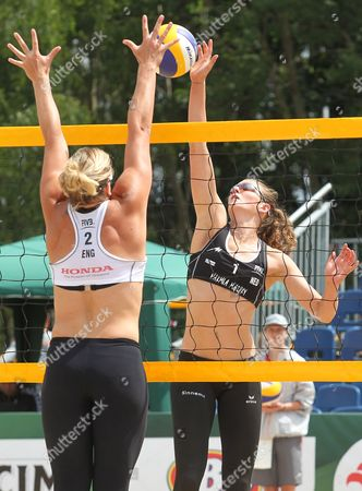 Jolien Sinnema (r) of the Netherlands in Action Against Lucy Boulton (l) of Britain During Their Qualifying Round Match of the Beach Volleyball World Championships in Stare Jablonki Poland 01 July 2013 Poland Stare Jablonki