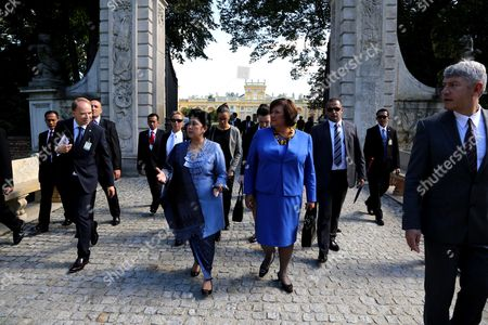Poland's First Lady Anna Komorowska (r) and Indonesian First Lady Ani Bambang Yudhoyono (l) Walk in Palace's Garden During a Visit to the Palace Museum in Wilanow in Warsaw Poland 04 September 2013 President Yudhoyono and His Wife Are on an Official Visit to Poland Poland Warsaw