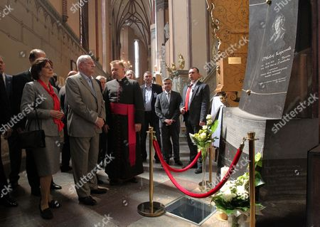 Slovak President Ivan Gasparovic (2-l) and His Wife Silvia Gasparovic (l) with the Parish Priest Fr Jack Wojtkowski (3-l) Visit the Archcathedral Basilica of the Assumption of the Blessed Virgin Mary and Saint Andrew where Nicolaus Copernicus Worked As a Canon in Frombork North-east Poland 21 May 2014 President Gasparovic Continues a Two-day Official Visit to Poland Which is a Farewell Before Ending His Second Term in Office Poland Frombork
