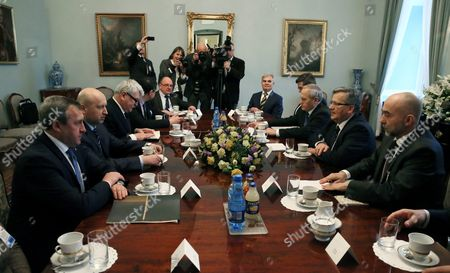 President of Poland Bronislaw Komorowski (2-r) and the Head of Polish National Security Bureau Stanislaw Koziej (3-r) Meet with the Secretary of the National Security and Defence Council of Ukraine Oleksandr Turchynov (2-l) in Warsaw Poland 05 March 2015 the Meeting was on Security Cooperation Between Poland and Ukraine Poland Warsaw