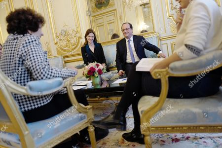 French President Francois Hollande (C), flanked by French Secretary of State on Services for Victims Juliette Meadel (2-L), meets with Francoise Rudetzki (foreground L), former head of terror victims association 'SOS attentats' (SOS attacks), at the Elysee Palace in Paris, France 08 February 2017. Rudetzki presents her work to the President on resilience.