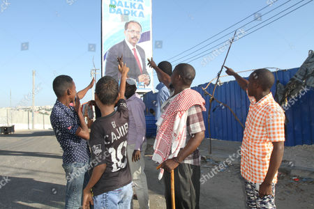 Supporters of newly elected President of Somalia Mohamed Abdullahi 'Farmajo' Mohamed after the votes where counted in the presidential election held at the international airport in Mogadishu, Somalia, 09 February 2017. Members of the upper and lower houses voted with 21 candidates for president. The war torn country is holding its first Presidential elections in a quarter century.