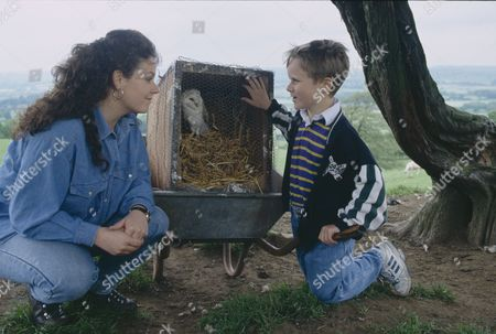 Nicola Strong (as Lorraine Nelson) and Christopher Smith (as Robert Sugden) as Robert finds an injured barn owl