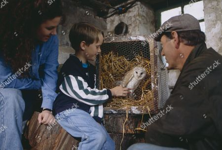 Stock Picture of Nicola Strong (as Lorraine Nelson), Christopher Smith (as Robert Sugden) and Clive Hornby (as Jack Sugden) as Robert finds an injured barn owl