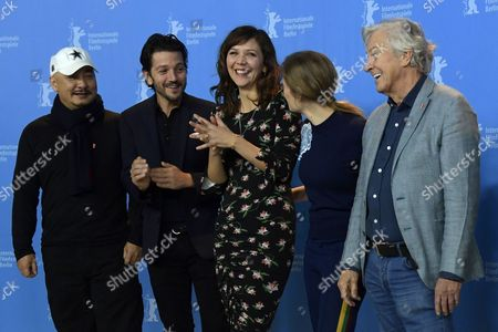 (L-R) Jury member Chinese director Wang Quan An, Jury member Mexican actor Diego Luna, Jury member US actress Maggie Gyllenhaal, Jury member German actress Julia Jentsch, Jury President Dutch director Paul Verhoeven pose for the Jury photocall on the opening day of the 67th annual Berlin Film Festival, in Berlin, Germany, 09 February 2017. The Berlinale runs from 09 to 19 February.