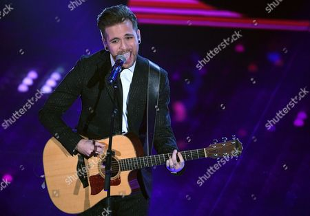 Italian singer Alessio Bernabei performs on stage during the 67th Festival of the Italian Song of Sanremo at the Ariston theater in Sanremo, Italy, 09 February 2017. The 67th edition of the television song contest runs from 07 to 11 February.