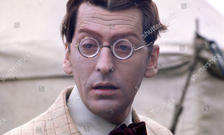 Gerry Cowan (as Roger Grafton)