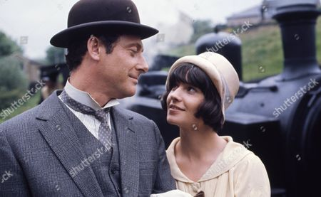 Victor Winding (as Benjamin Sweet) with Heather Page (as Mary Porter)