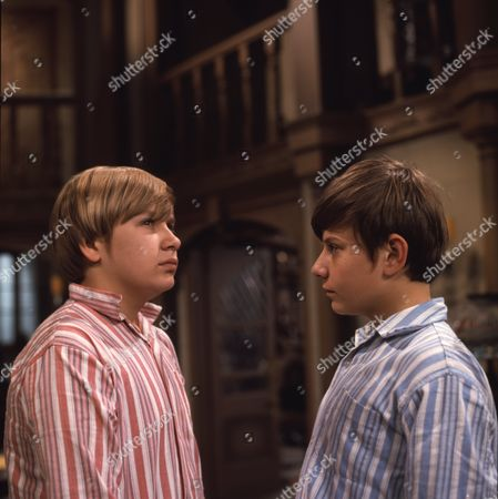 Alan Guy (as Jonathan Flaxton) and John Ash (as William Pickford)