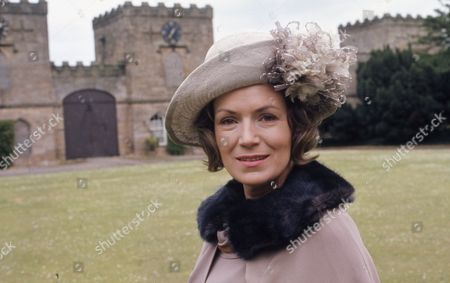 Veronica Hurst (as Lady Jane Flaxton)