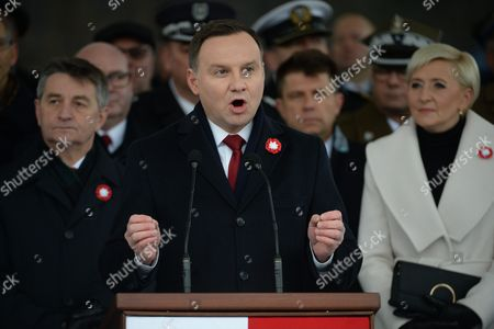 President of Poland Andrzej Duda (2-l) Speaks After the Ceremony of Guarding Soldiers Check at the Tomb of the Unknown Soldier at the Jozef Pilsudski Square in Warsaw Poland 11 November 2016 President Duda is Accompanied by His Wife Agata Kornhauser-duda (3-l) and Chief of the Nowoczesna Party Ryszard Petru (l) Poland Warsaw