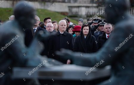 Warsaw Mayor Hanna Gronkiewicz-waltz (2-r) and Budapest Mayor Istvan Tarlos (l) Attend the Unveiling Ceremony of a Monument Depicting Henryk Slawik and Jozsef Antall (senior) in Warsaw Poland 08 November 2016 During World War Ii Polish Henryk Slawik and Hungarian Jozsef Antall Helped Over 120 000 Polish War Refugees After Their Escape to Hungary in September 1939 Poland Warsaw
