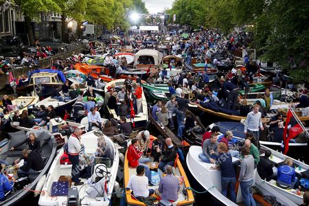 People in Hundreds of Small Boats Pack Together in the Canals of Amsterdam As They Attend the 'Canal Concert' a Classical Concert with a Performance by Us Born of Korean Heritage Violinist Sarah Chang in Amsterdam the Netherlands on 23 August 2008 Netherlands Amsterdam