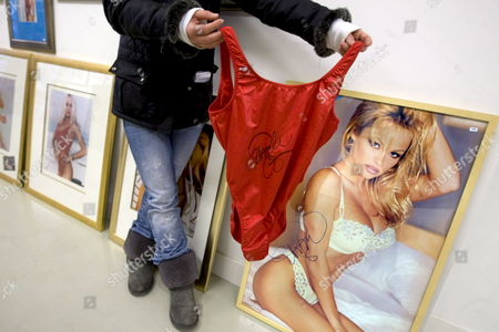 A Swimsuit of Pamela Anderson From the Tv-series Baywatch with an Estimated Price of 300 Euro is Seen at Auction Company Boven's Veiling in Amsterdam Netherlands 26 November 2008 During the Auction Memorabilia on Saturday 29 November Several Signed Objects of Famous People Will Be Auctioned From N Swimsuit of Pamela Anderson Until a Violin of Jaap Van Zweden All Signed by the Original Owner Netherlands Amsterdam