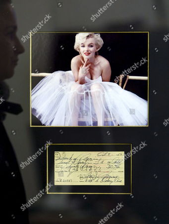 A Photo and a Handwritten Bank Statement From and by Marilyn Monroe with an Estimated Price of 6 000 Euro is Seen at Auction Company Boven's Veiling in Amsterdam Netherlands 26 November 2008 During the Auction Memorabilia on Saturday 29 November Several Signed Objects of Famous People Will Be Auctioned From N Swimsuit of Pamela Anderson Until a Violin of Jaap Van Zweden All Signed by the Original Owner Netherlands Amsterdam