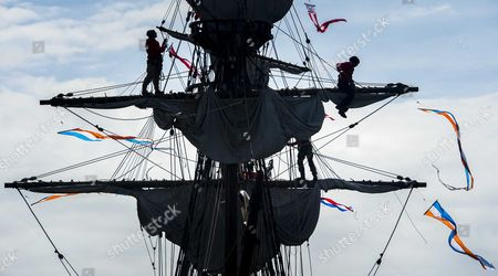The Replica of the Dutch East India Company (voc) Ship Halve Maen (half Moon) Sails in the Harbour of Hoorn the Netherlands 23 May 2015 Henry Hudson Captain of the Voc Discovered Over 400 Years Ago with the Ship Manhattan where Later New Amsterdam was Founded the Current New York the Ship was Reconstructed in 1989 at the Behest of the Dutch American Andrew Hendricks He is the Founder of the New Netherland Museum That the Ship Has Lent to Horn Netherlands Hoorn