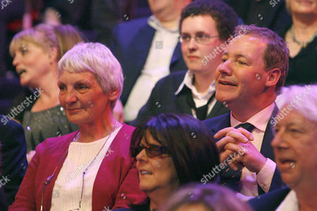 'An Audience Without Jeremy Beadle'  TV - 2008 -   Janet Elford was Beadled by Jeremy in the famous Alien sketch.