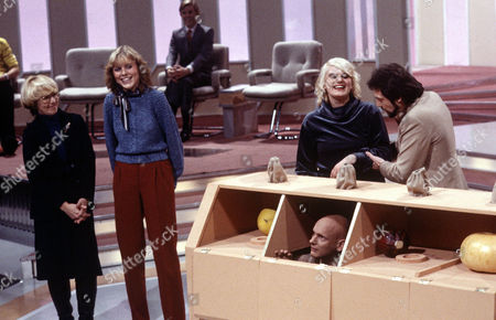 Stock Photo of 'An Audience Without Jeremy Beadle'  TV - 2008 -  Game for a Laugh   1981 Contestants with Duncan Goodhew and Jeremy Beadle
