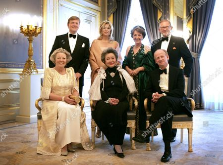 The Gouvernor-general of Canada Adrienne Clarkson (c) is Flanked by Her Husband John Ralston Saul and Dutch Queen Beatrix (l) As They Pose For a Group Photo with (back Row L-r) Dutch Crown Prince Willem Princess Maxima Princess Margriet and Her Husband Pieter Van Vollenhoven at Palace Nooreinde in the Hague on 03 May 2005 Netherlands the Hague