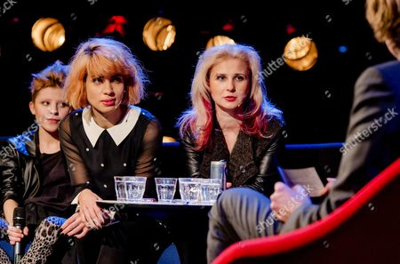 Nadezhda 'Nadya' Tolokonnikova (2-l) and Maria 'Masha' Alyokhina (r) of the Russian Punk Band Pussy Riot Attend a Press Conference at the International Film Festival Rotterdam (iffr) the Netherlands 28 January 2015 the Members of the Russian Punkband Were Invited by the Festival to Talk About the Themes of the Festival Feminism Propaganda and Political Imaging Netherlands Rotterdam