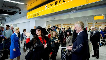 Dutch Singer Trijntje Oosterhuis (c) Waves Before Her Departure to Vienna at Schiphol Airport the Netherlands 10 May 2015 Oosterhuis Will Represent the Netherlands at the 60th Annual Eurovision Song Contest in Vienna Austria the Event's Final Will Be Held on on 23 May Netherlands Schiphol