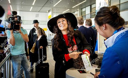 Dutch Singer Trijntje Oosterhuis (c) Smiles Before Her Departure to Vienna at Schiphol Airport the Netherlands 10 May 2015 Oosterhuis Will Represent the Netherlands at the 60th Annual Eurovision Song Contest in Vienna Austria the Event's Final Will Be Held on on 23 May Netherlands Schiphol