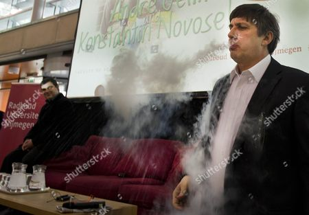 Nobel Prize Winner Andre Geim (r) Blows Nitrogen of -260 Degrees From His Mouth During a Demonstration with His Colleague Konstantin Novoselov (l) For Students in Nijmegen the Netherlands 24 November 2010 Nobel Prize Winners Geim and Novoselov Were Later Honored During a Academic Ceremony in Nijmegen the Two Researchers Won the Prize For Physics For Their Survey of Properties of Grapheme Netherlands Nijmegen